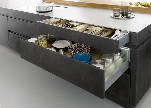 Nadčasová betonová kuchyně s vysokou funkčností