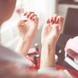 Gelové nehty – elegantní ruce v každé situaci