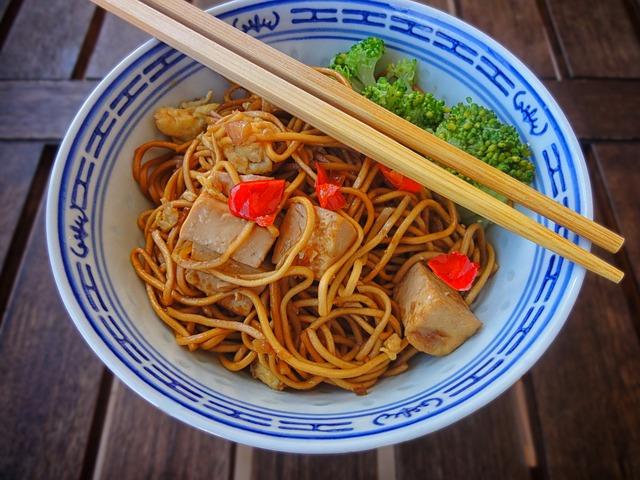 Čínské nudle s tofu