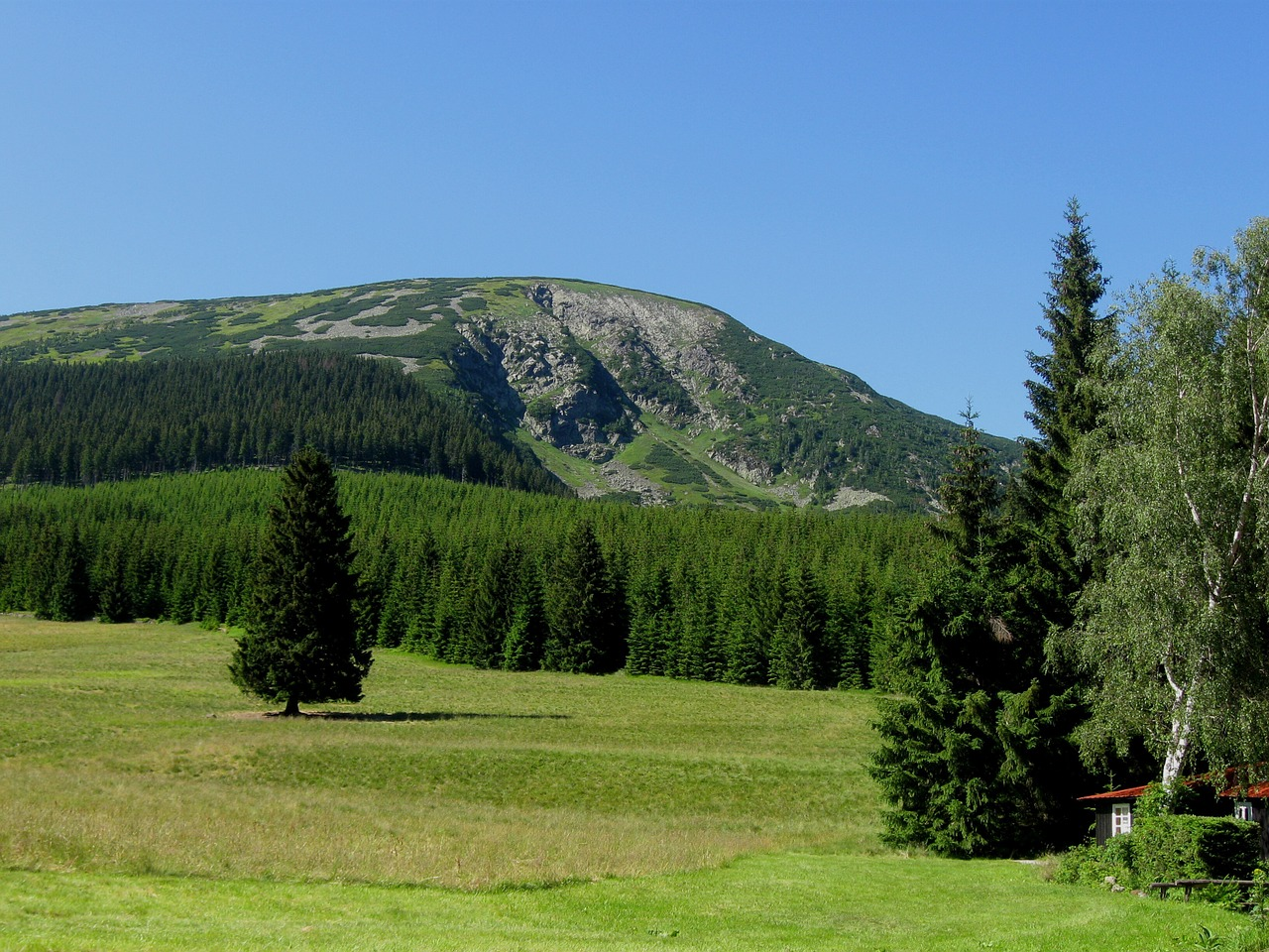 mountain-1017583_1280