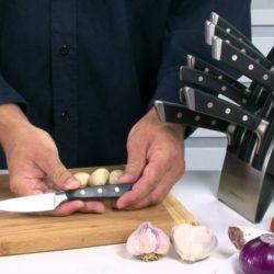 Pořiďte si do vaší kuchyně moderní nože od Tescomy!
