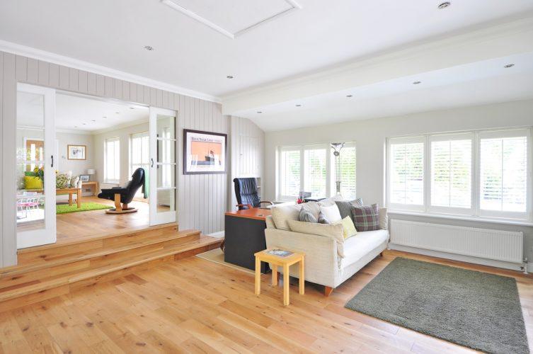 Dřevěná podlaha dodá Vašemu domovu elegantnost